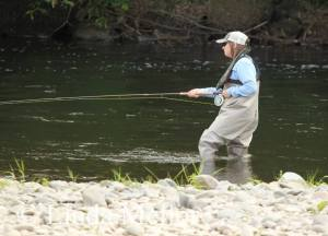 getting use to a salmon rod - photo taken by Linda Mellor